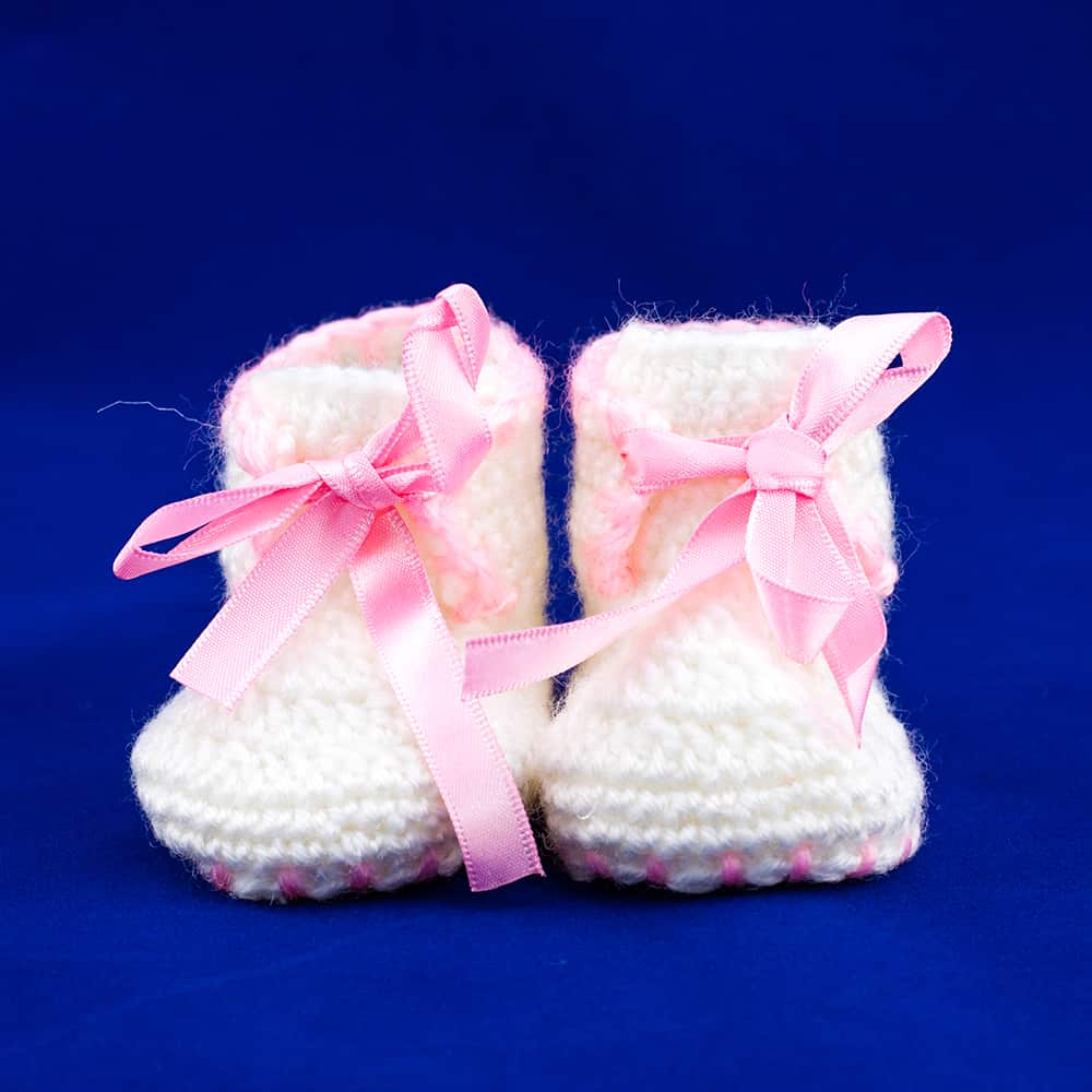 452455233b394 Crochet Baby Shoes (Newborn)