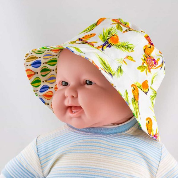 Sun- and windproof panama for babies.
